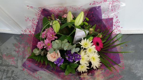 Bouquet Hand Tied Mix, Including Lillies 1
