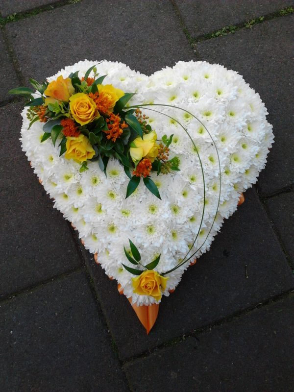 Solid Heart with Chrysanthemums 1