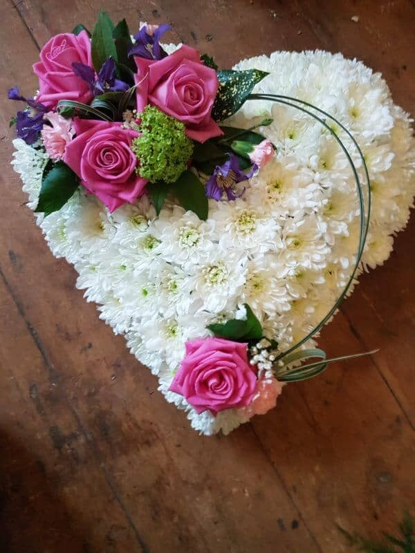 Solid Heart with Pink Roses. 1
