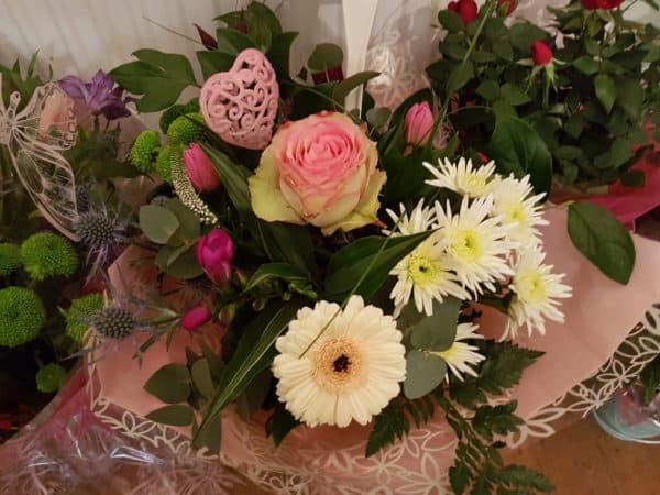 Hand Tied Bouquet Seasonal Mix 1