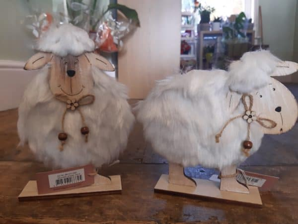 Seriously cute wooden sheep ornaments 1